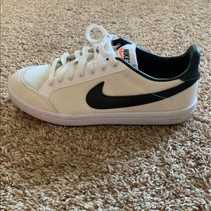 Nike Meadow Women's Shoes